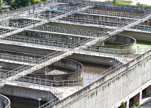 ruimen en reinigen van waterzuiveringsstations en pompstations